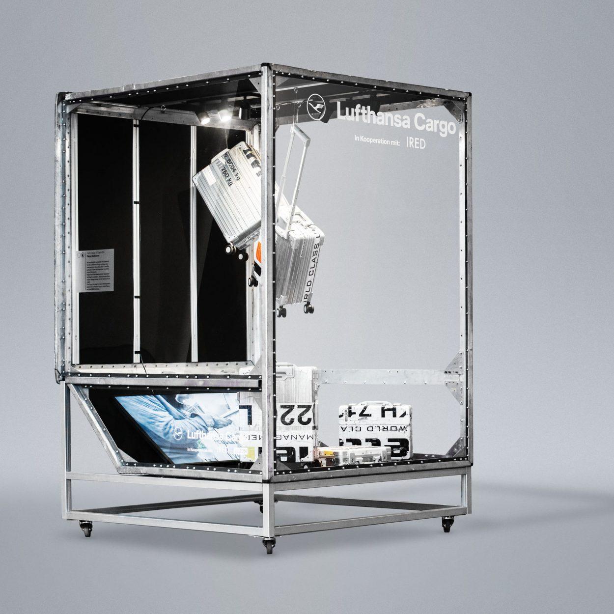Lufthansa Cargo Display Vitrine für Messen, Gestaltung und Umsetzung IRED Institut