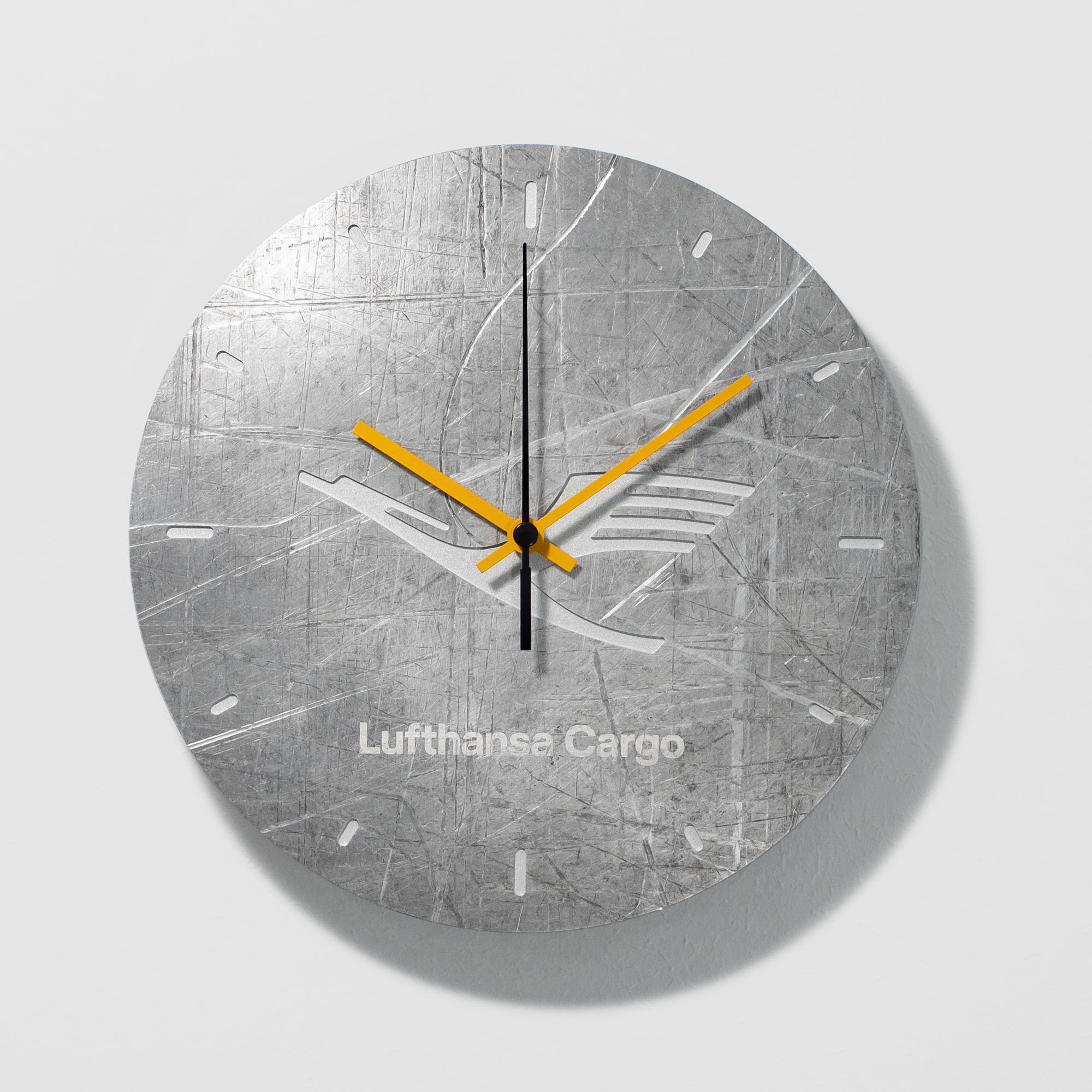 Lufthansa Cargo wall clock from upcycling aviation aluminium - Design IRED